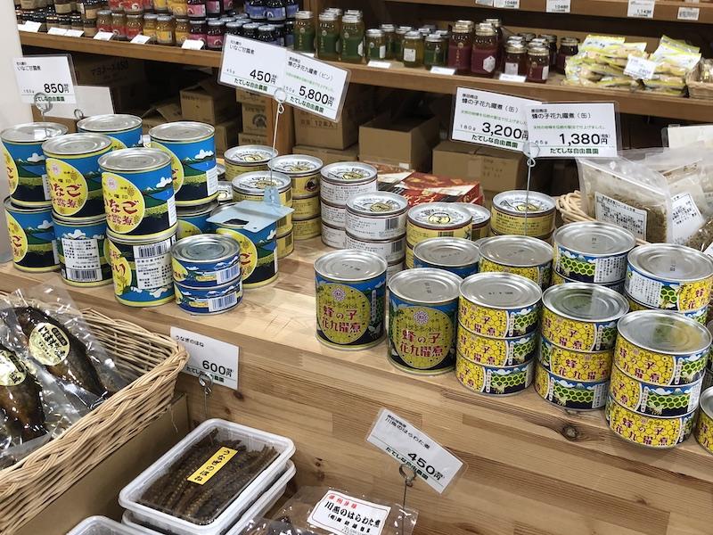 イナゴや蜂の子の缶詰